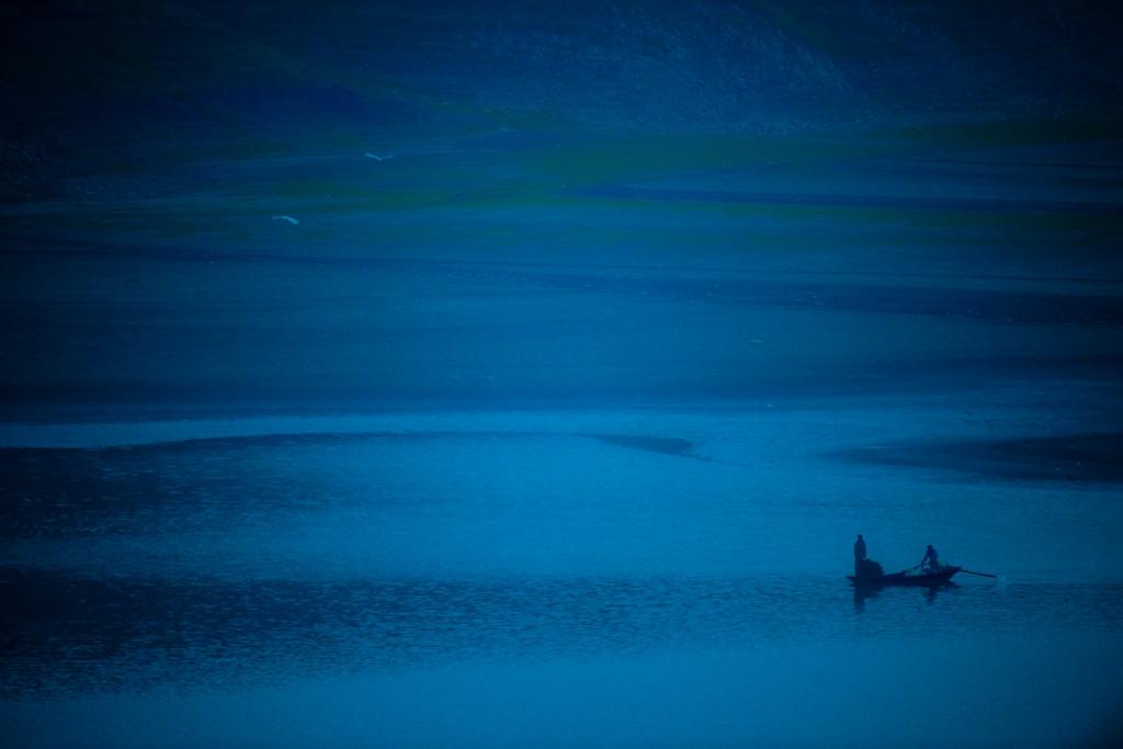 077优秀作品:《太极湖之恋》(摄影:刘克军0