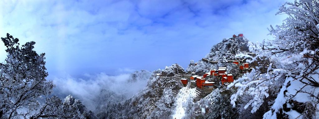 112优秀作品:冬韵武当(摄影:蒲玉书)