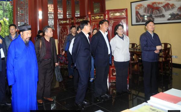 中央统战工作领导小组调研山东崂山太清宫