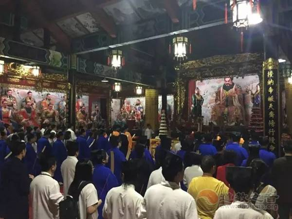 江西龙虎山天师府举行第五届天师庙会活动