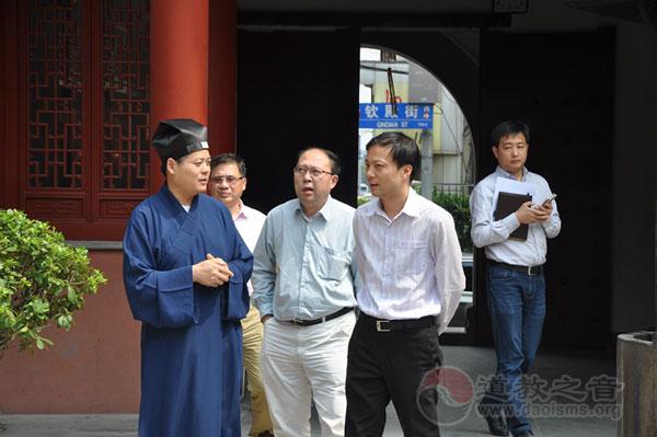上海浦东新区副区长陈希视察钦赐仰殿道观