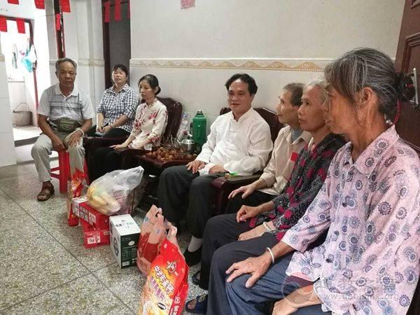 广西区道协副会长陈应伟道长看望病困信众