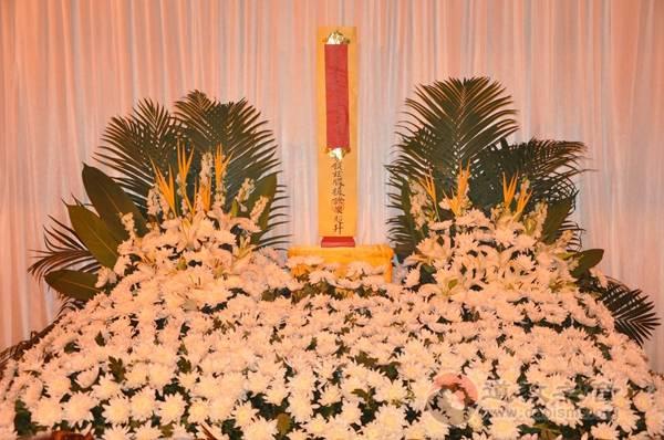 上海城隍庙为四川茂县山体垮塌罹难者举行法会