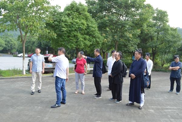浙江省道教协会一行到德清考察道教活动场所
