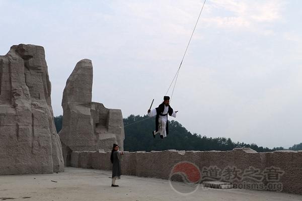 武当剑世界冠军陈师行道长受邀参演《武当一剑》