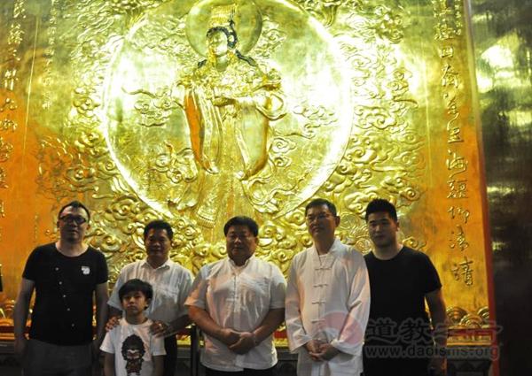 台中大甲镇澜宫董事长一行参访上海城隍庙