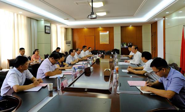 广西区副主席到区民宗委、民语委调研民宗工作