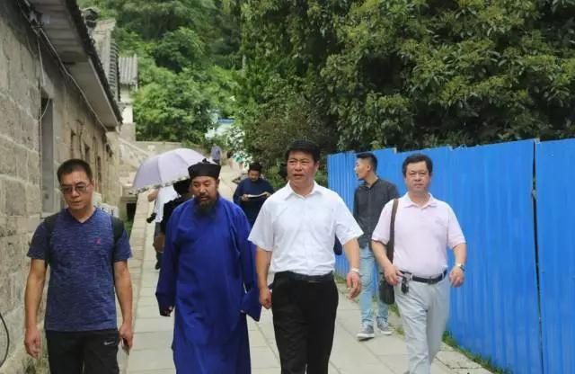 青岛市委统战部、民宗局领导到崂山太清宫指导传戒准备工作