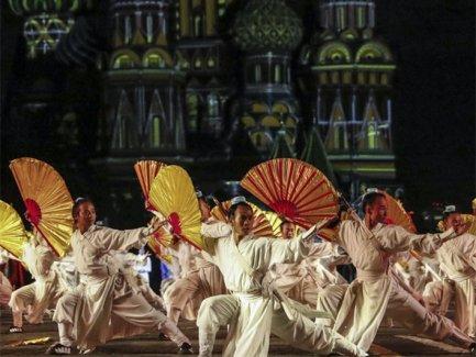 中国道士应邀参加俄罗斯国际军乐节