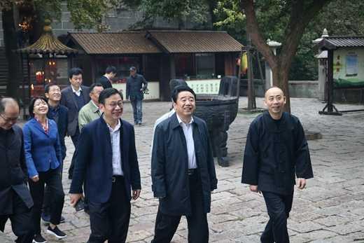 江苏省副省长陈震宁赴无锡调研宗教工作