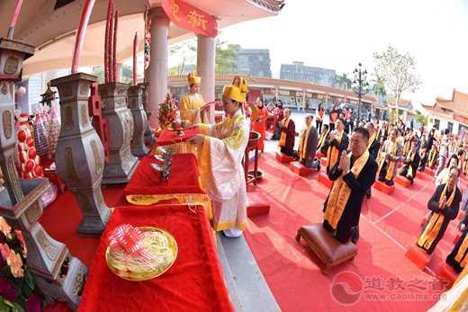 广东省陆丰市举办祈福迎新展民俗民艺活动