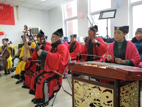 江苏市泰州市海陵区道协走进颐乐居开展新年慰问演出活动
