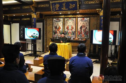 上海城隍庙举行春节消防安全演练