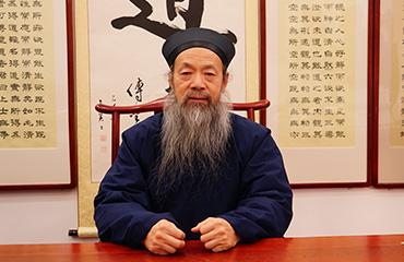 中国道教协会会长李光富道长致2018新年贺词