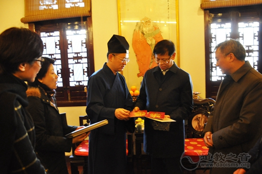 许昆林副市长到上海城隍庙调研春节期间安保工作
