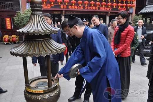 上海市黄浦区委书记、区长杲云检查城隍庙春节消防安全工作