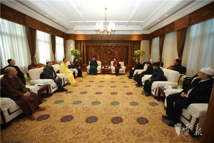 云南省宗教界代表人士新春座谈会在昆明举行