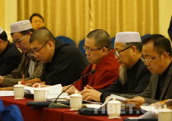 宗教界的全国政协委员齐聚小组会 审议常委会报告