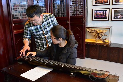 上海慈爱公益基金会第六期国学•古琴启蒙班正式开班