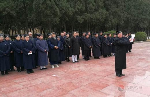 唐山道教界到冀东烈士陵园拜祭1