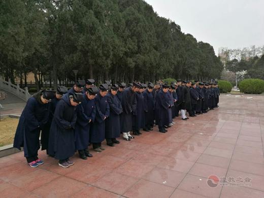 唐山道教界到冀东烈士陵园拜祭4