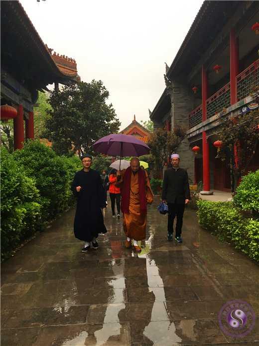 西安市沣东新城组织宗教人士到咸阳中五台道观考察3