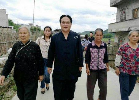 广西道教协会副会长陈应伟到梧州看望慰问道教信众