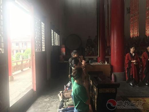 马来西亚沙巴州茅山道教会仇明慧会长一行到镇江参访