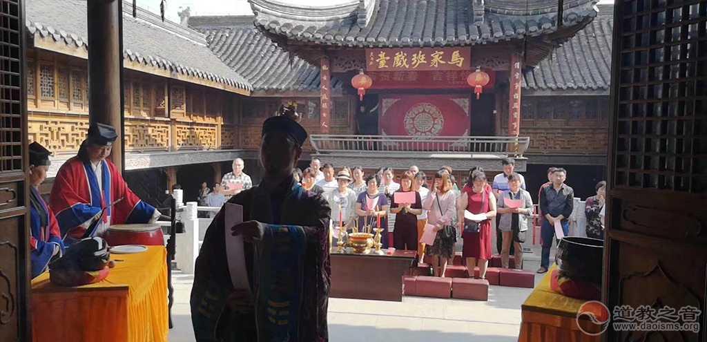 江苏高港城隍庙祈愿高考学子超常发挥、金榜题名