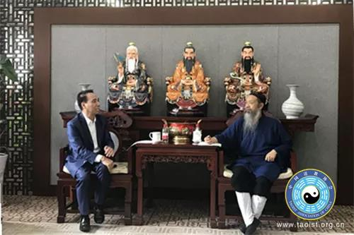 李光富道长会见澳台中华宗教文化促进会冯健富一行