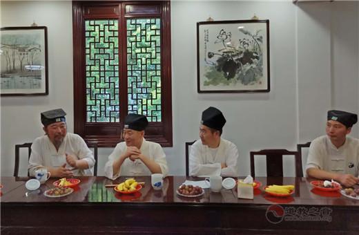 湖北省黄冈市道教协会副会长游玄德道长一行到上海白云观参访交流