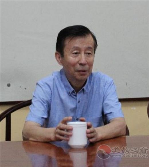 中国崂山道家书画院常务副院长于兴国致辞