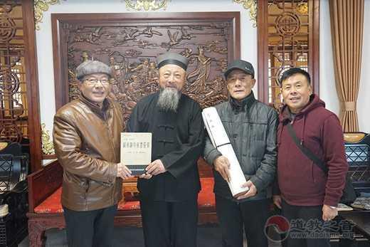 吉林省白城市老年书画研究会赠玄帝观15米柳叶篆《道德经》