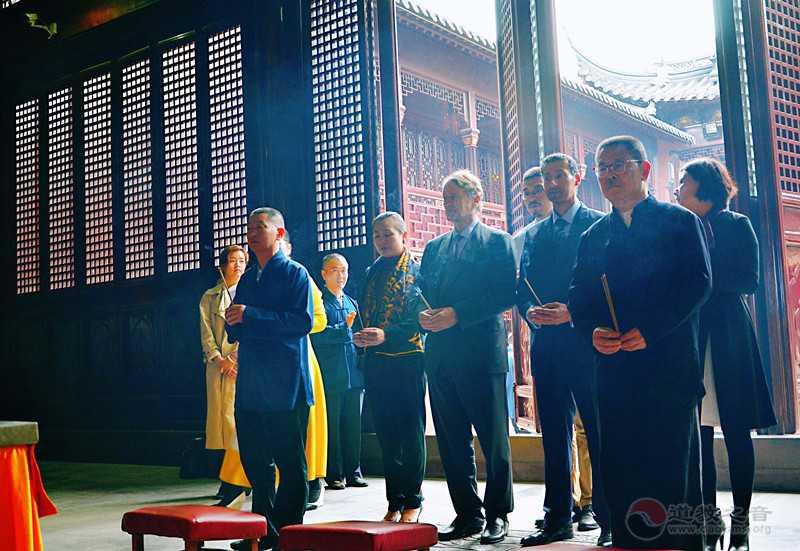 菲利普亲王参访上海白云观