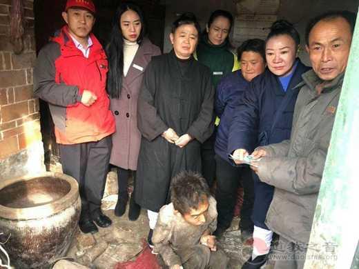 聊城市慈善义工协会联同临清玉皇庙对口开展扶危助困爱心捐赠