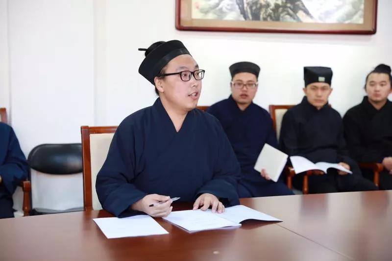 中国道教学院举行2016级硕士研究生毕业论文答辩