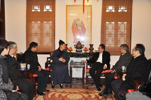 上海市委常委、统战部长郑钢淼慰问上海道教界人士