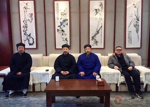 张诚达会长节前看望慰问省内道教老前辈