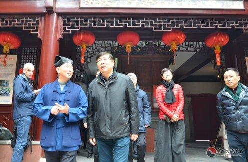 黄浦区委书记杲云视察上海白云观节前安全工作