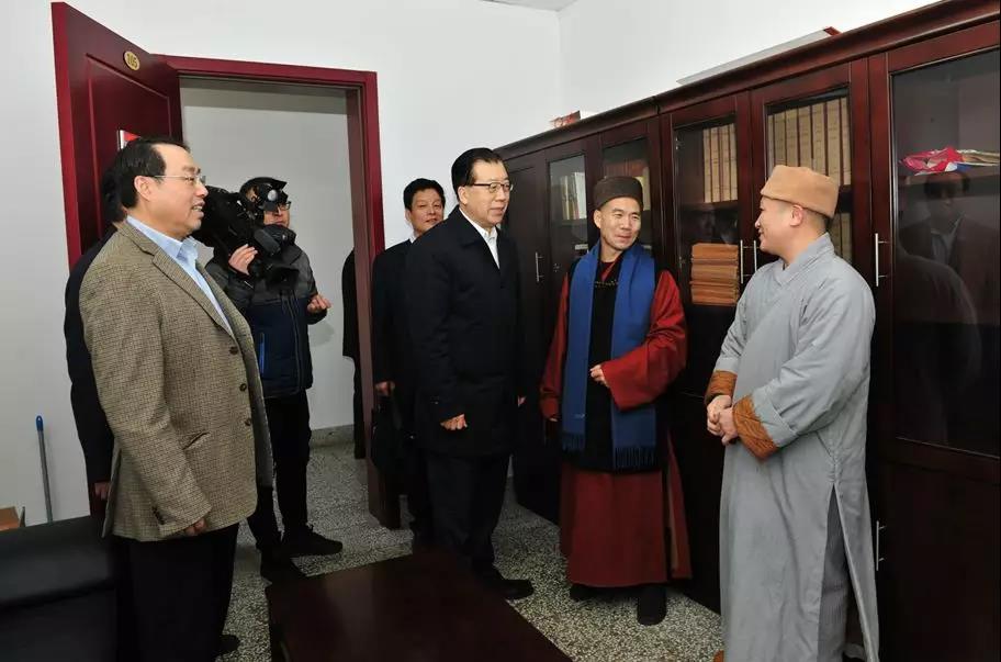 山东省委常委、统战部长张江汀走访全省性宗教团体