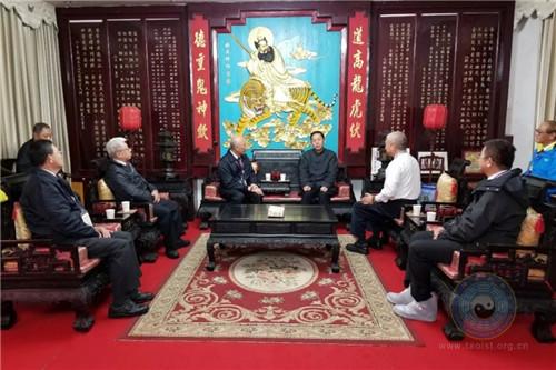 台湾中华传统宗教总会参访团到天师府参访