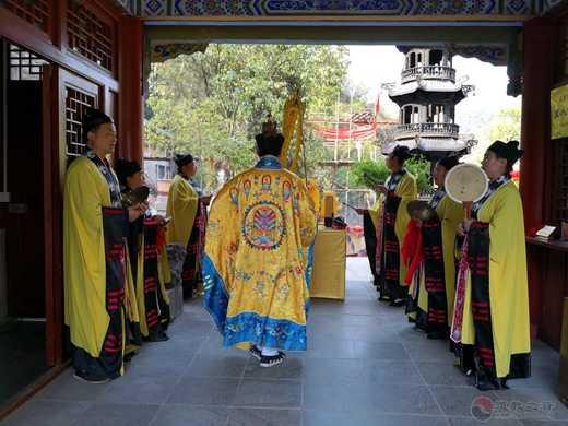 紫阳县真人宫清明节举行追荐四川凉山烈士英灵法会