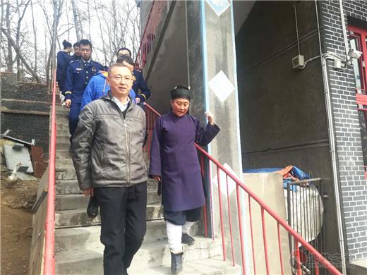 吉林省通化市消防人员检查玉皇阁消防安全
