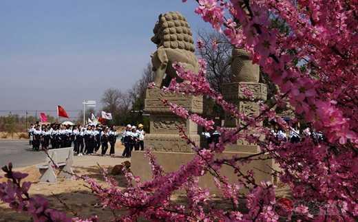 陕西榆林二中学生到卧云山道观开展励志活动