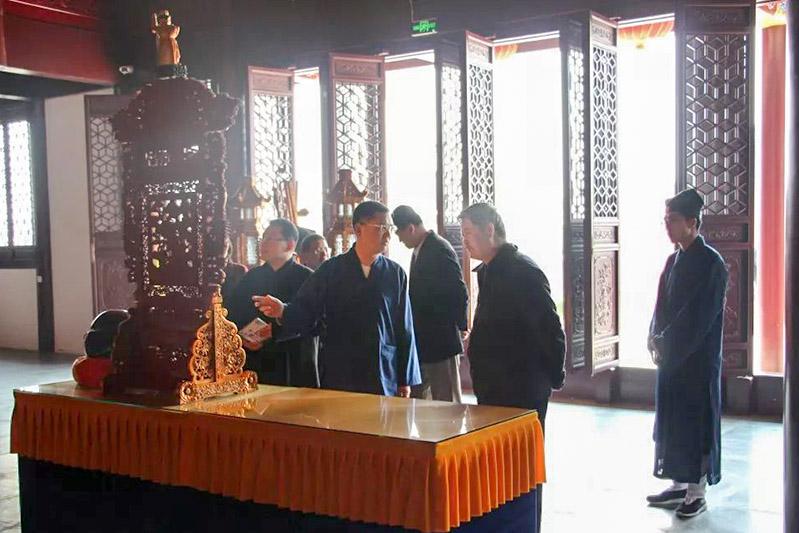 中央统战部十一局领导调研上海宗教院校工作
