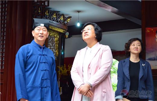 上海黄浦区人大常委会主任、党组书记韩顺芳视察白云观