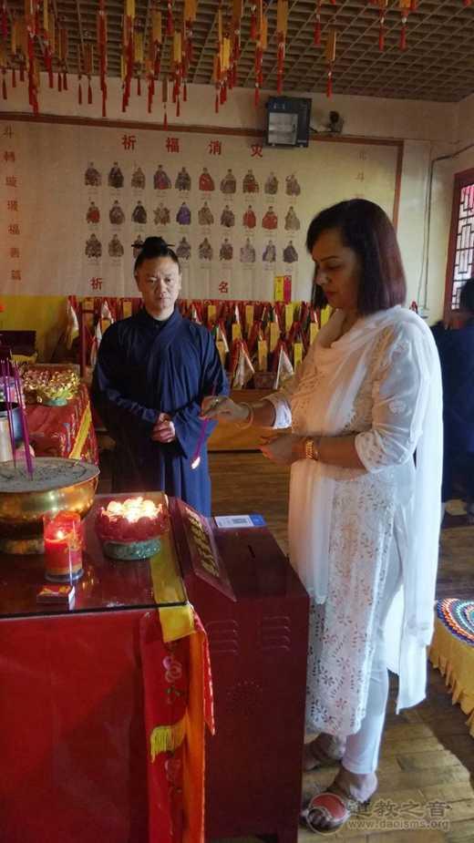 印度驻华大使馆文化参赞纪提卡·斯里瓦斯塔瓦参访咸宁太乙观