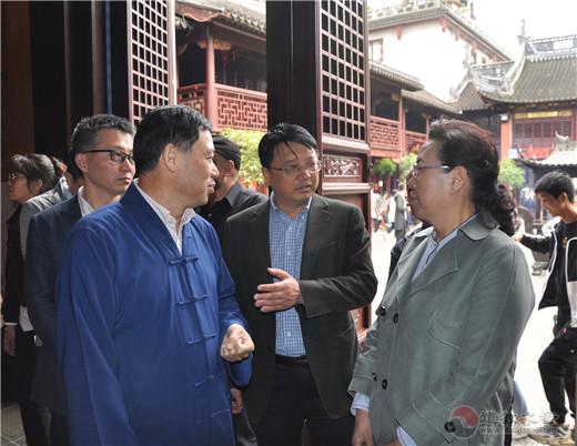 内蒙古自治区人大代表团到上海城隍庙调研
