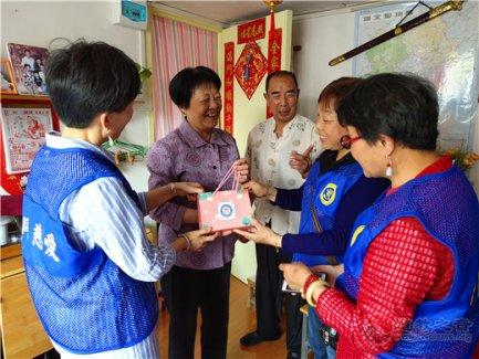 上海城隍庙慈爱功德会开展母亲节公益慈善活动