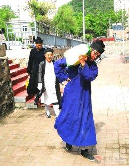 通化市玉皇阁己亥年端午节走访慰问市伊斯兰教贫困户